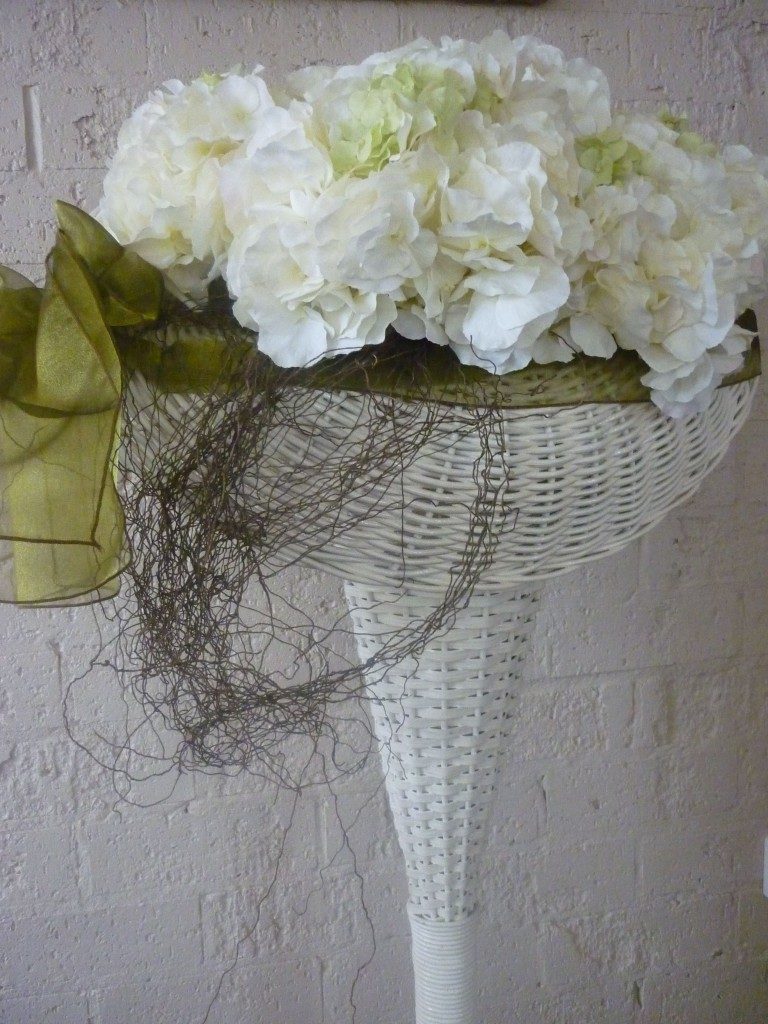 Woven-Cane-Stand-with-Silk-Flowers-007