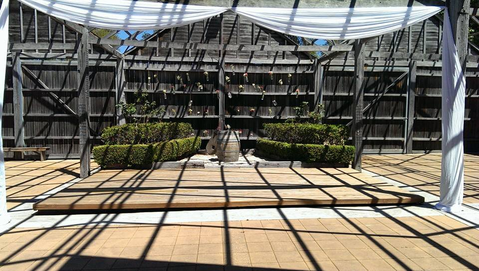 Lindemans Courtyard_5